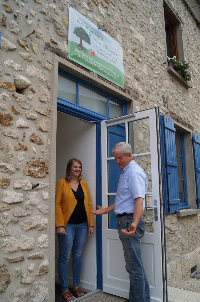 Emilie Boufatis accueille le maire condéen Eric Assier.