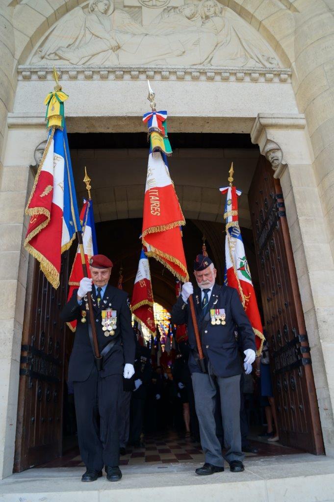 37 porte-drapeaux ont participé à la cérémonie.