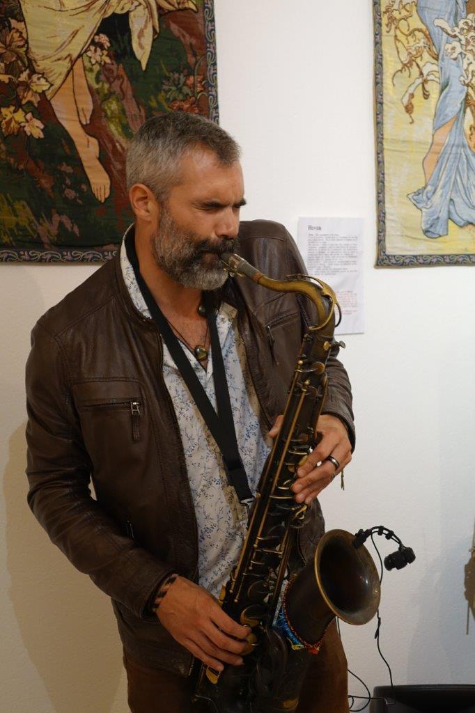 Le saxophoniste Doctor Pier.