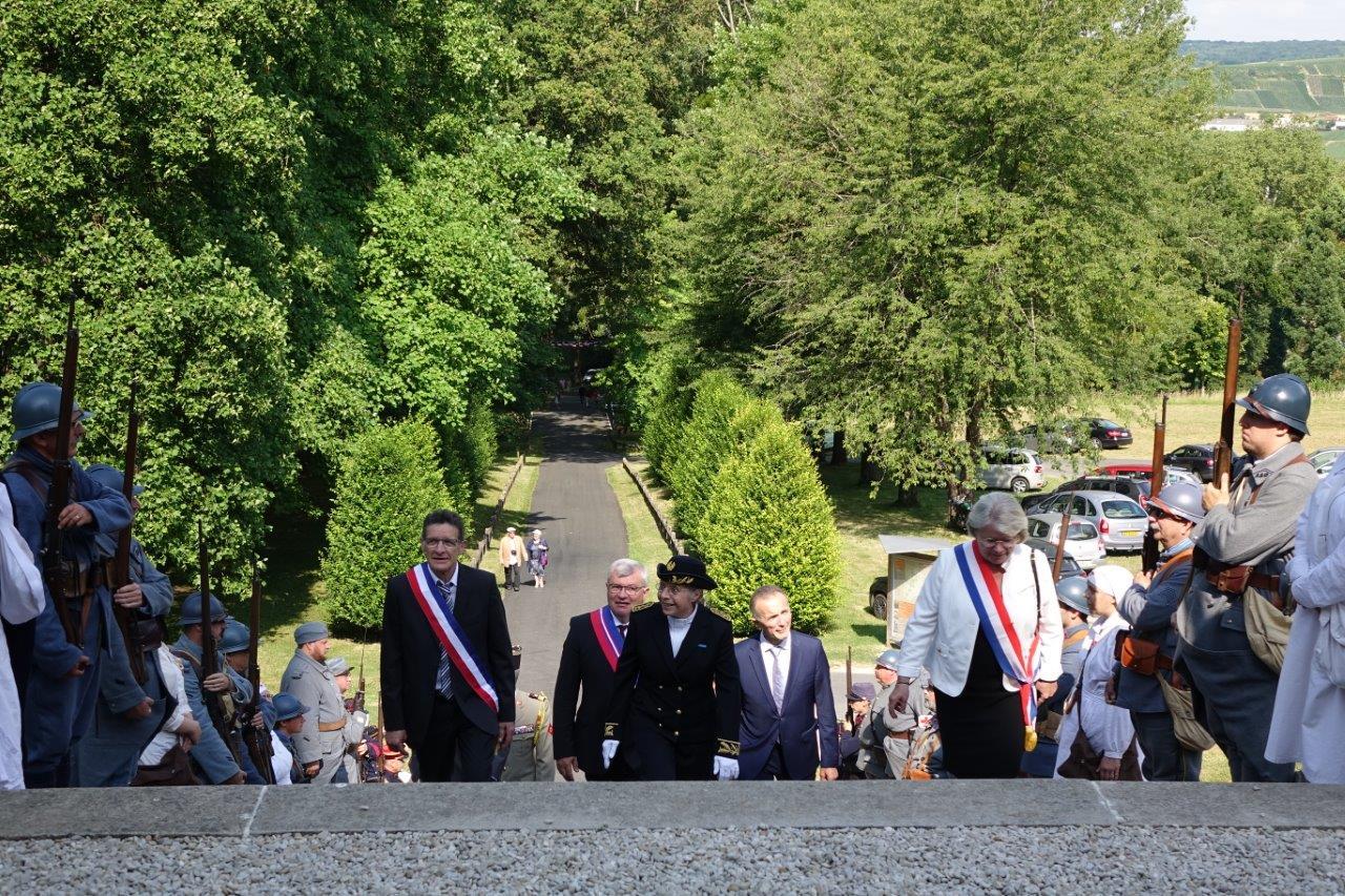Les Poilus ont accueilli, dimanche 7 juillet, les personnalités venues participer à la cérémonie du souvenir au Mémorial des batailles de la Marne....