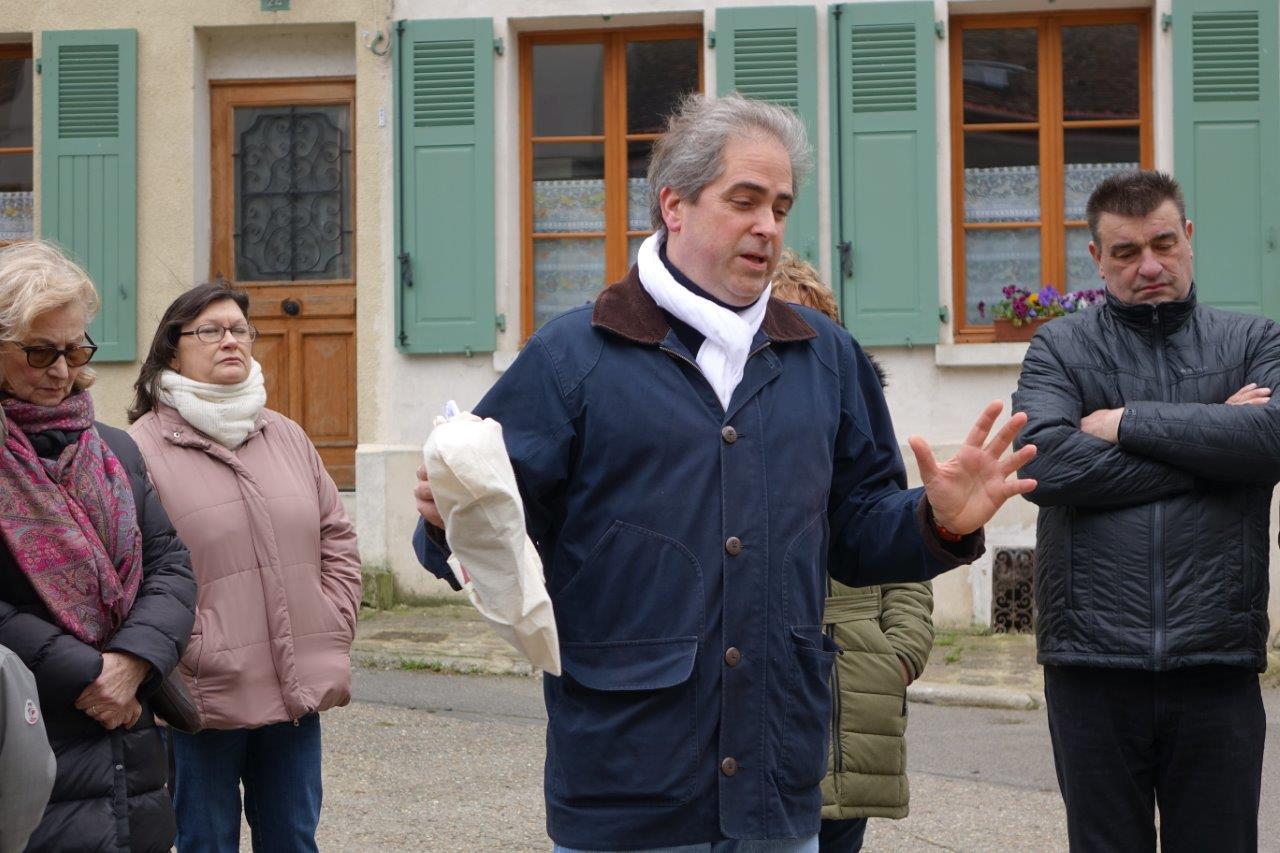 Aymeri de Rochefort a présenté les atouts patrimoniaux et touristiques de la commune...