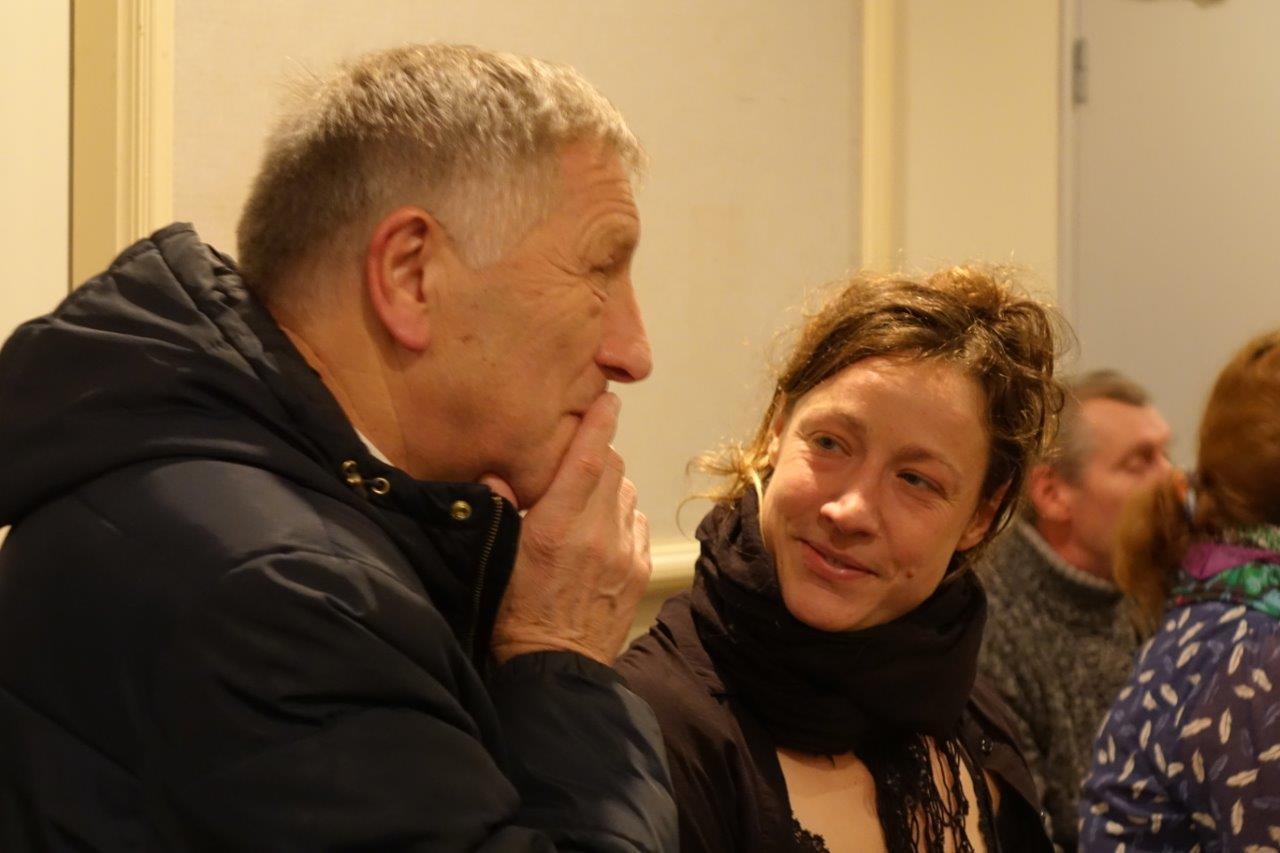 De gauche à droite : Jacques Krabal et Julie Moulier échangent à l'issue de l'événement.