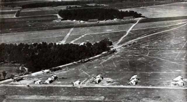 L'aérodrome provisoire de la Ferme des Grèves.