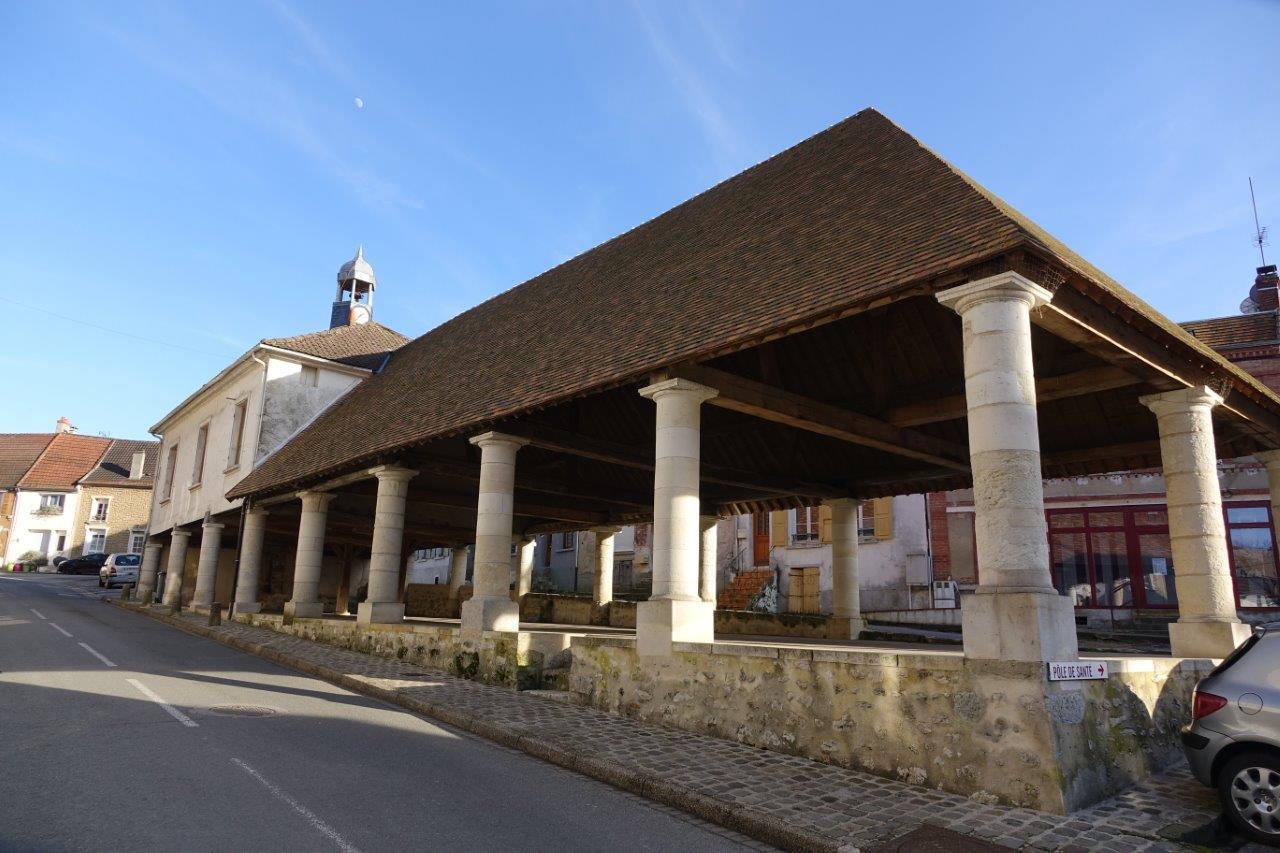 Débutée en 2010, la rénovation des Halles de Condé-en-Brie s'est achevée en 2015.