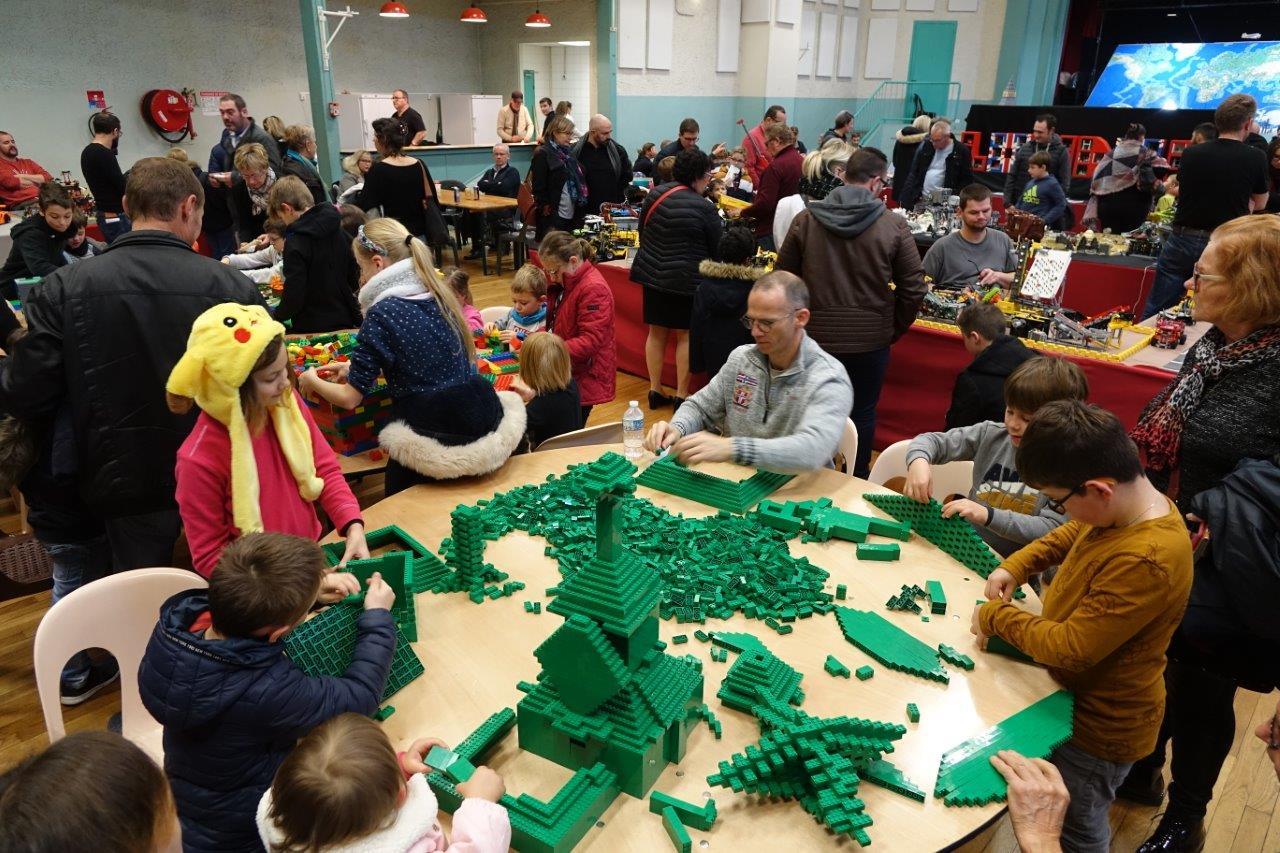 Petits et grands pouvaient piocher pour donner libre cours à leur imagination.