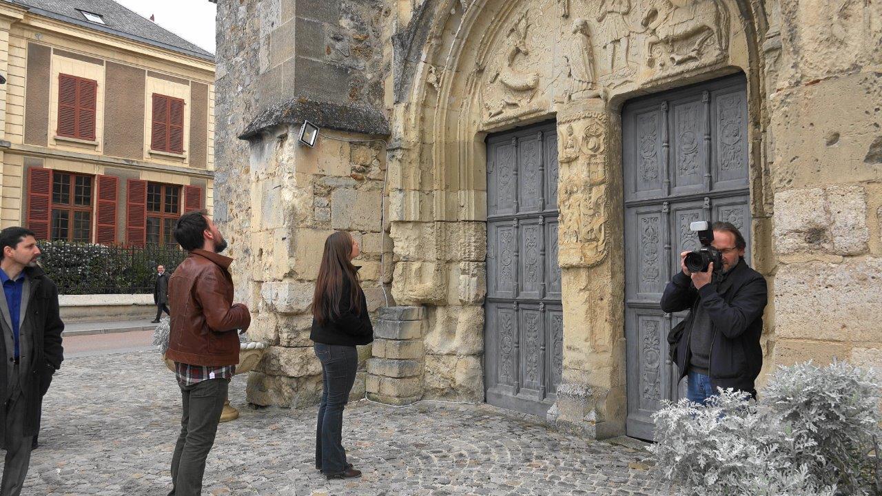 ...en passant devant l'église saint Médard de Trélou-sur-Marne.