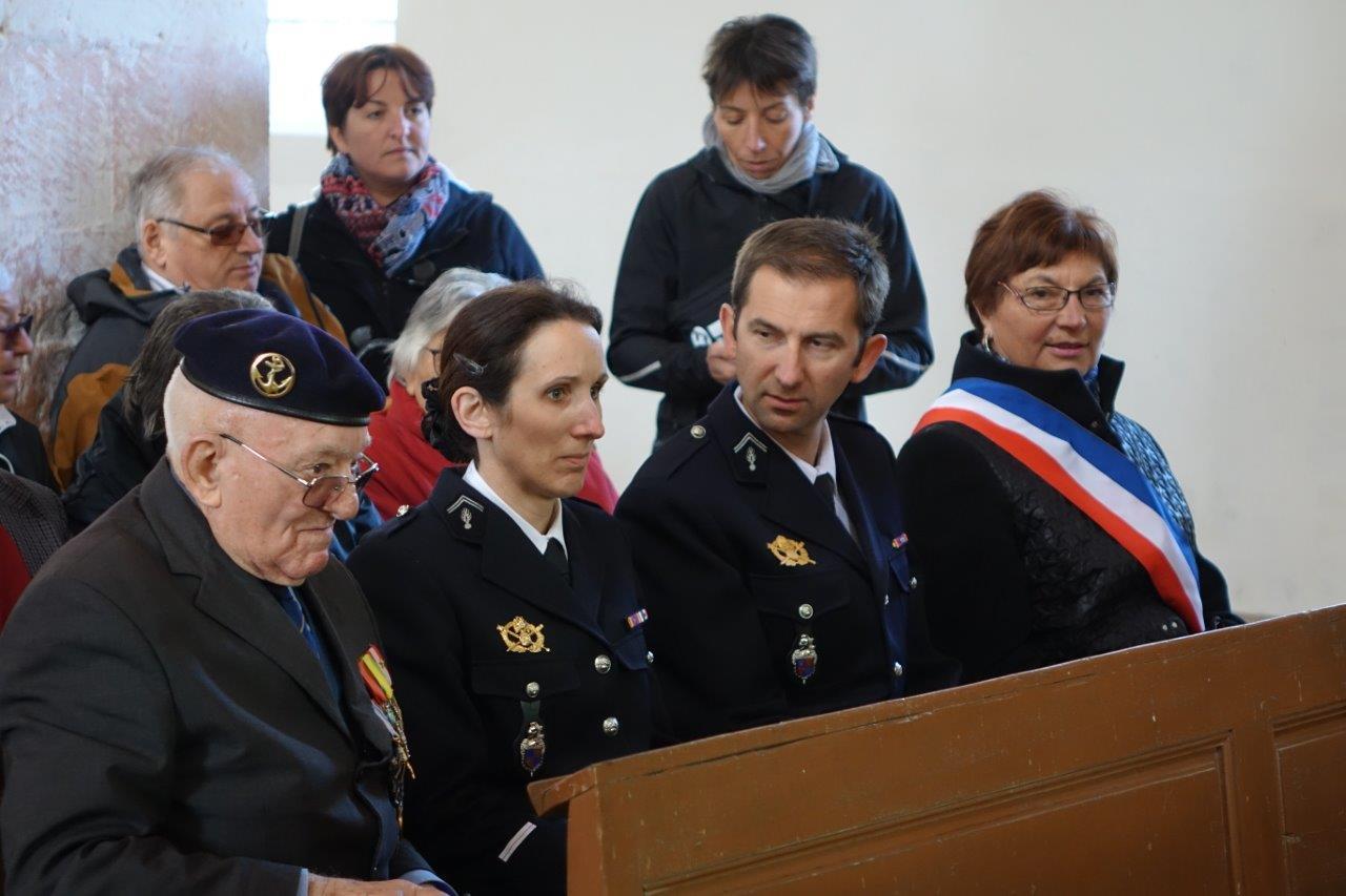 De gauche à droite : Georges Pottier, Daphnée Texier et Romain Freytag, de la COB de Château-Thierry-Nogentel, et Jacqueline Picart, maire déléguée de La Chapelle-Monthodon.