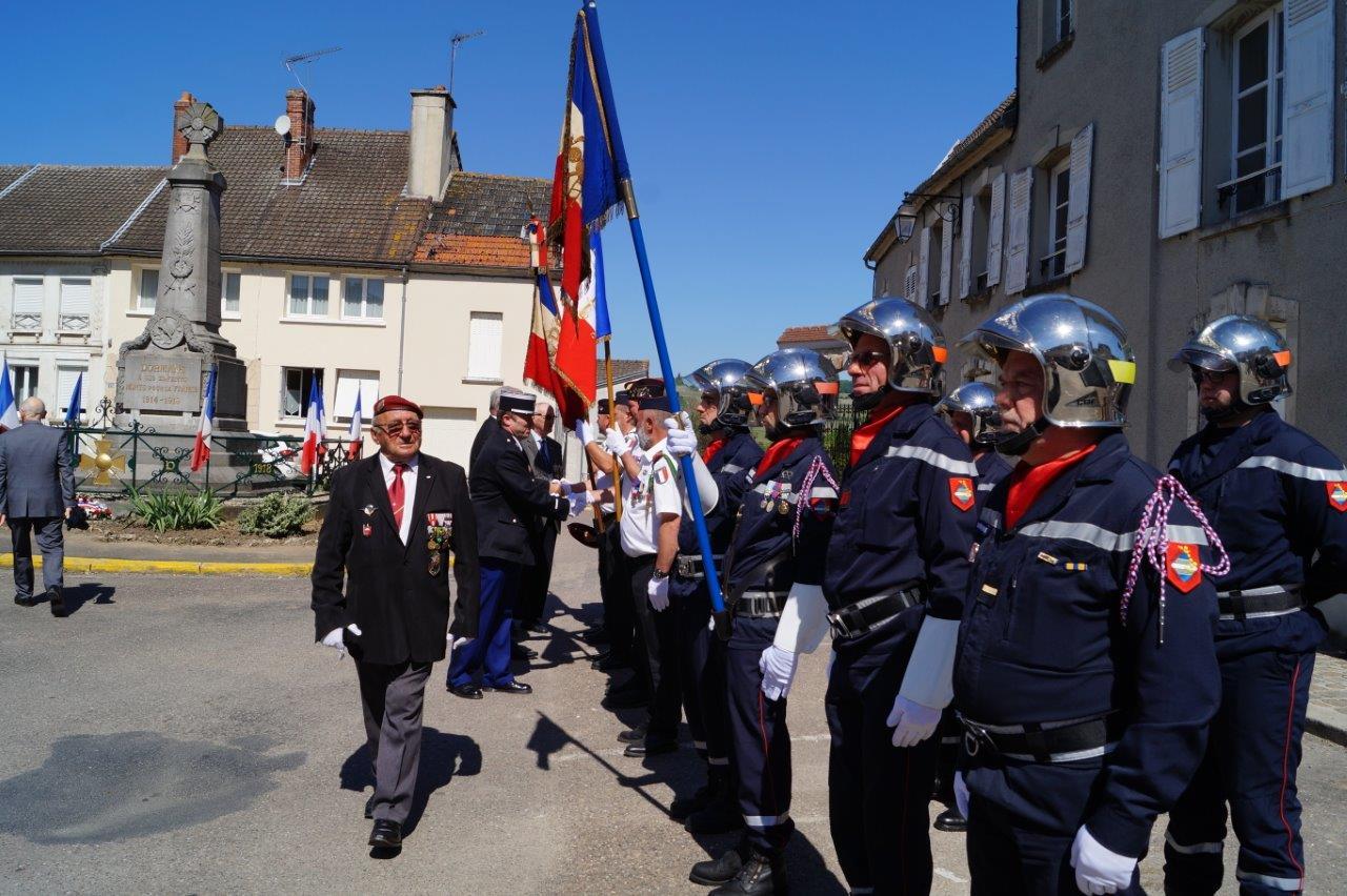Michel Brisset salue la section des anciens des OPEX et les sapeurs pompiers dormanistes.