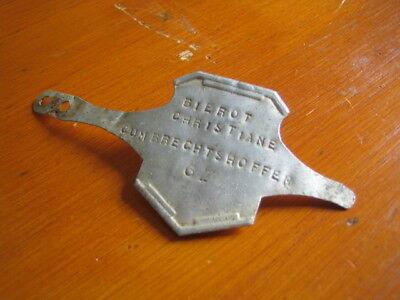 Jadis, dans l'temps, une plaque de police était fixée sur les bicyclettes, bien souvent sur le pivot de la fourche.