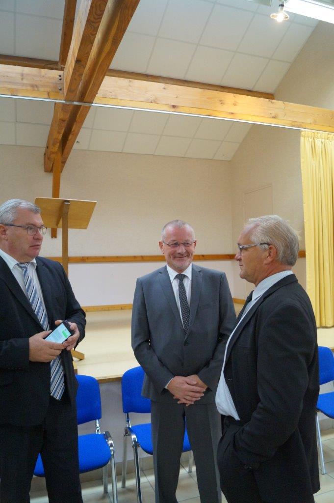 Au centre : Eric Girardin, député de la 3ème circonscription de la Marne.