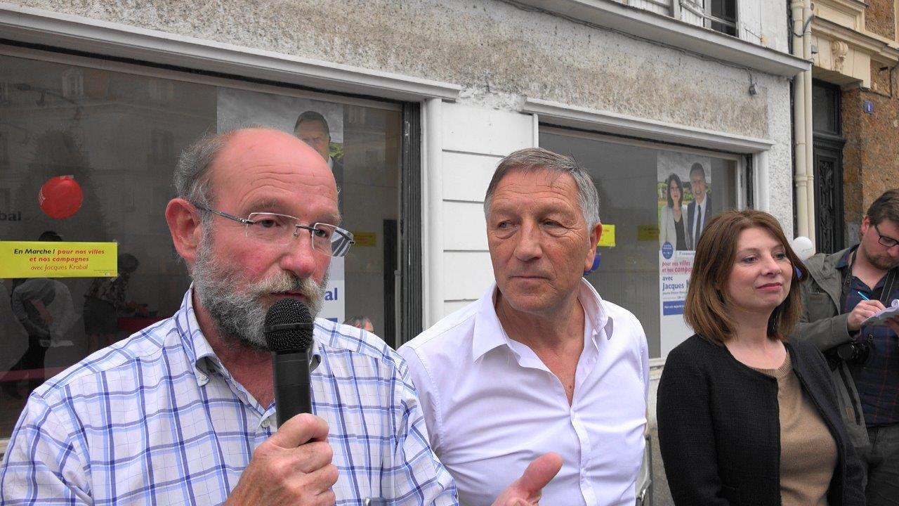 ...tout comme Philippe Lévêque, le maire de Montgru-saint-Hilaire ayant souhaité taxer les Parisiens désireux de se rendre dans la commune en voiture.
