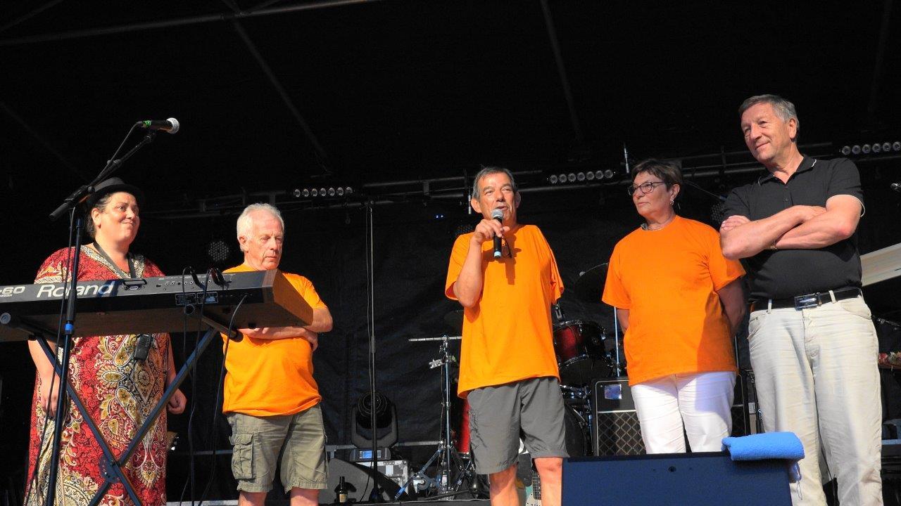 De gauche à droite : Céline Larose, Claude Picart, maire délégué de Saint-Agnan, Bruno Lahouati, maire de Vallées-en-Champagne, Jacqueline Picart, maire déléguée de La Chapelle-Monthodn et Jacques Krabal.