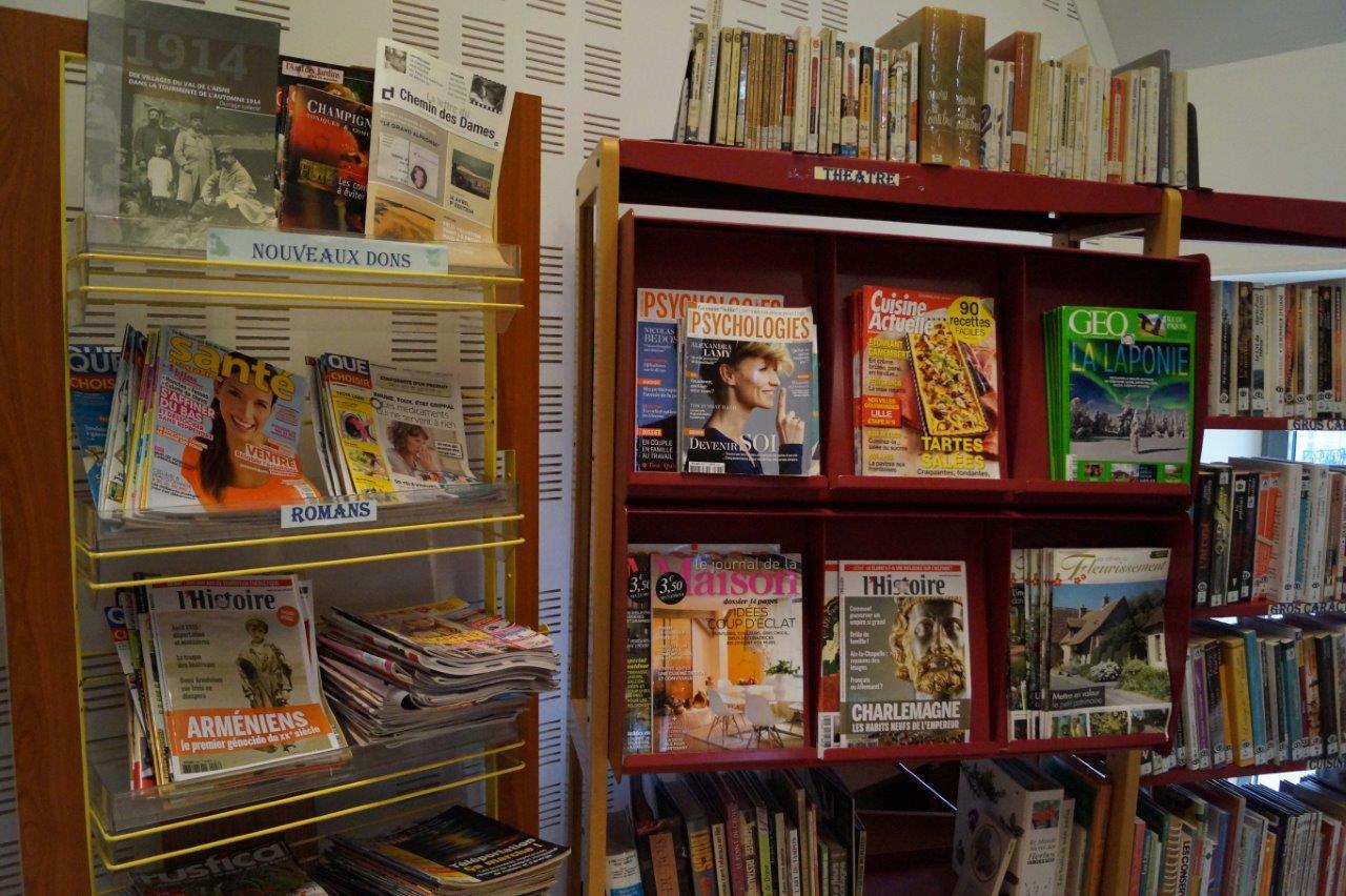 Ici, les magazines.