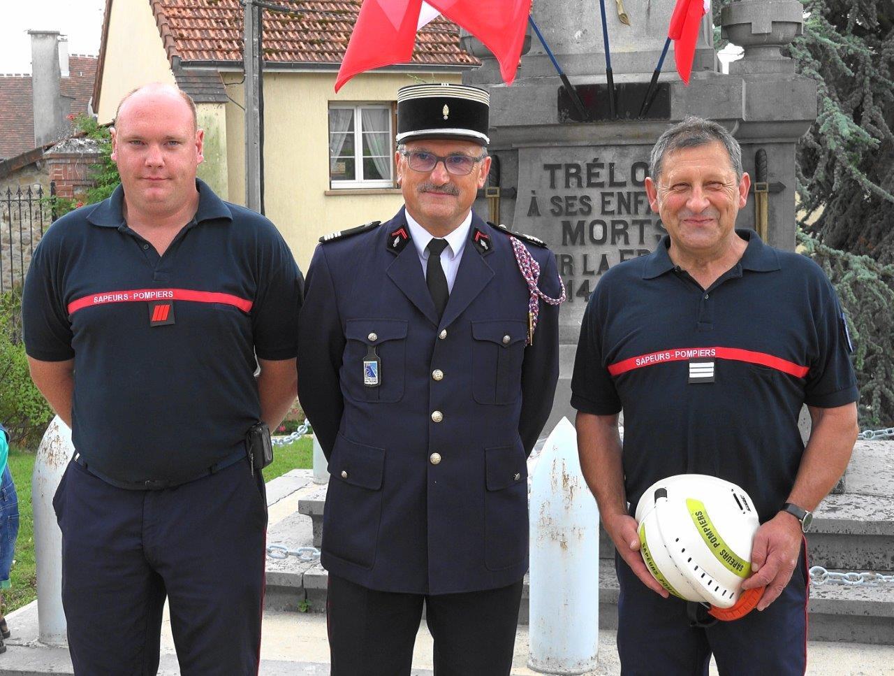 De gauche à droite : le caporal-chef Boutville, le lieutenant-colonel Gérard et le capitaine Couvent.