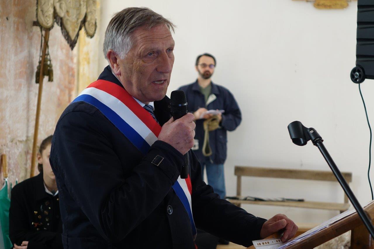 ... et de Jacques Krabal, député de l'Aisne...