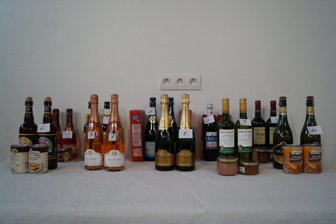 Le champagne sud axonais Sylvain Billion et l'enseigne de la grande distribution Leclerc Château-Thierry sont les partenaires du concours de belote.