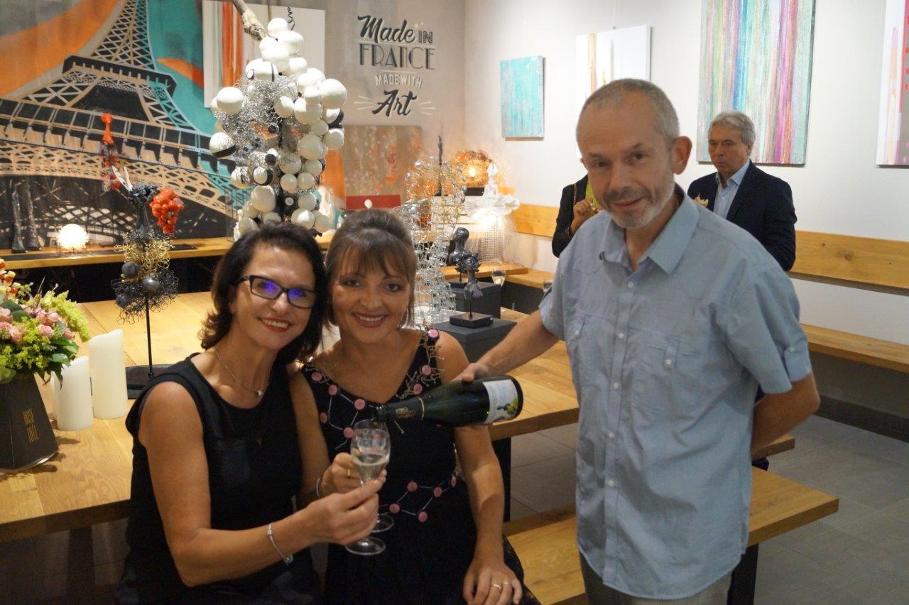De gauche à droite : Véronique Henry, Anna et Franck Météyer.
