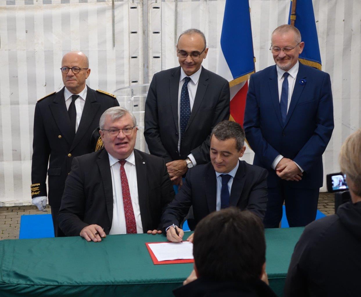 Signature de la première charte d'engagements du nouveau réseau de proximité dans la Marne.