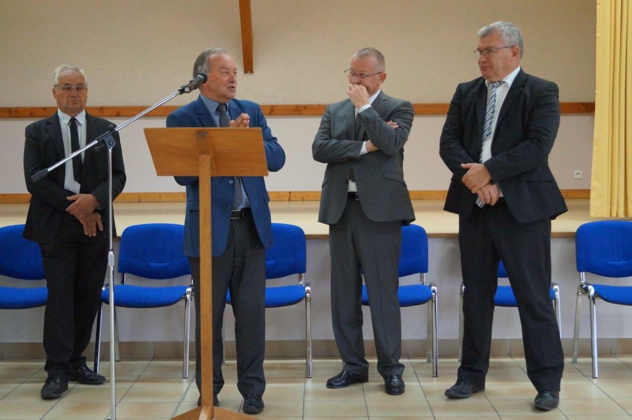 Au pupitre : Patrice Valentin, conseiller régional Grand Est et maire d'Esternay dans la Marne.