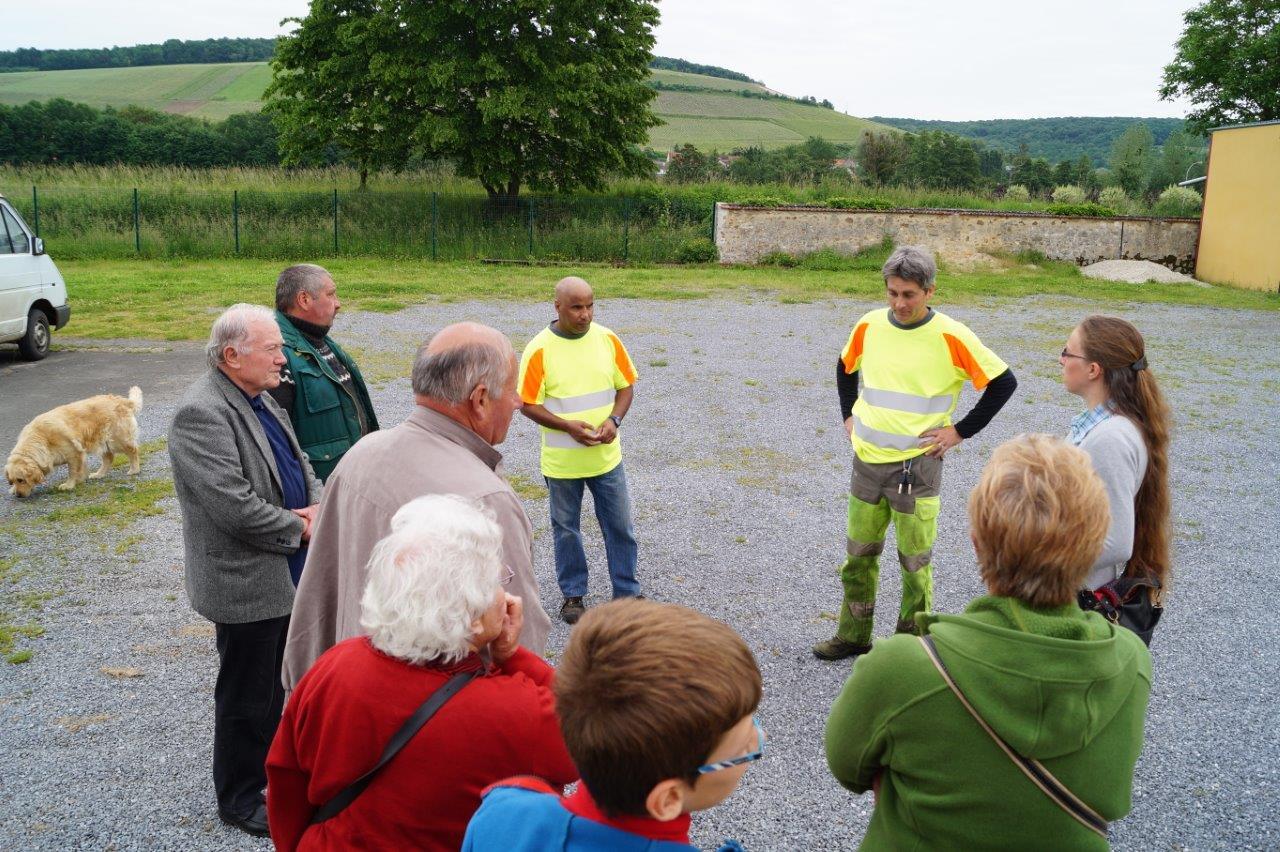 Les employés communaux de Crézancy ont accueilli les participants dans leurs locaux.