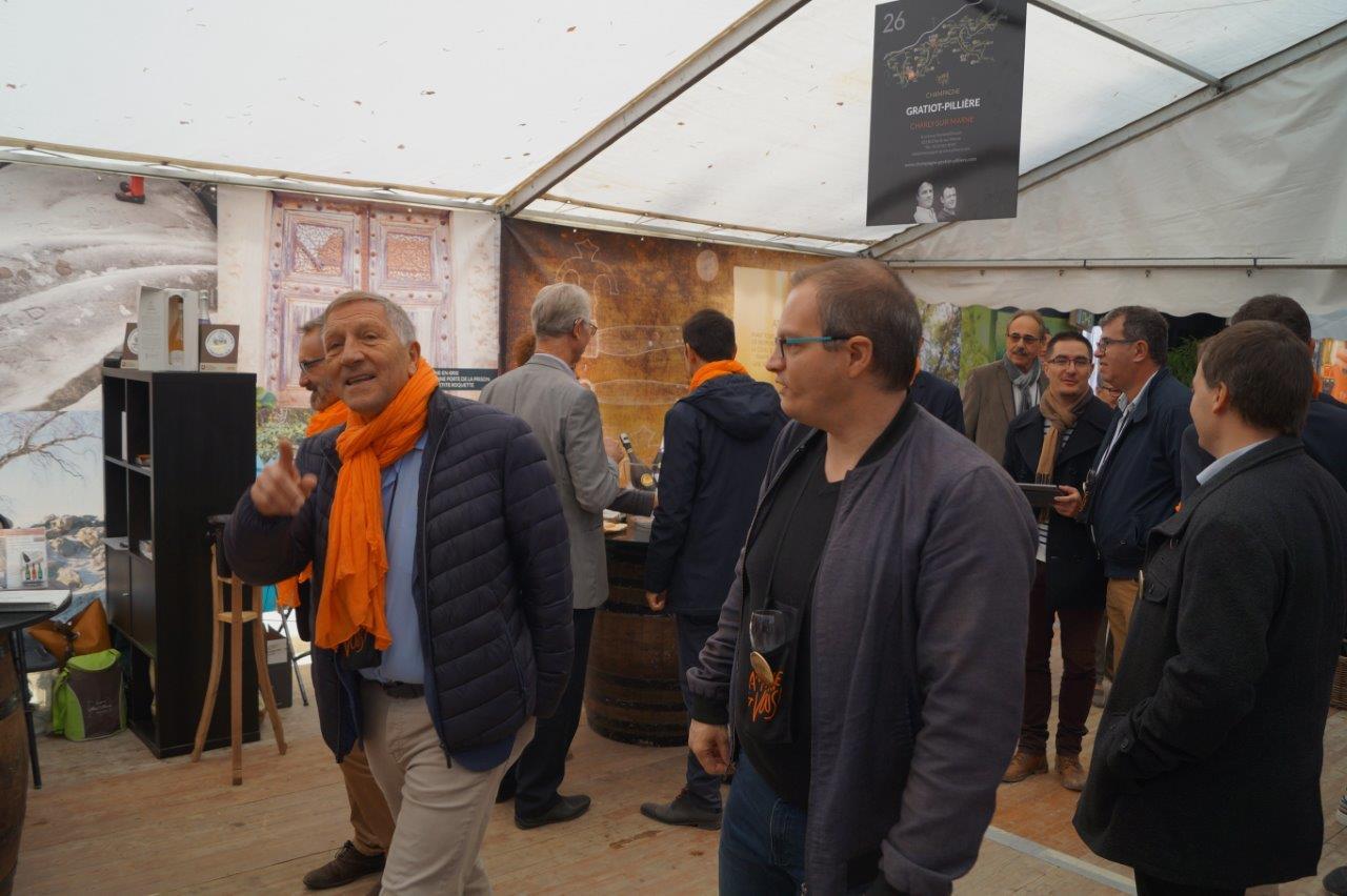 A gauche : le député Jacques Krabal se fait voler la vedette par le président du Conseil régional Xavier Bertrand, coaché par le conseiller régional Dominique Moyse......