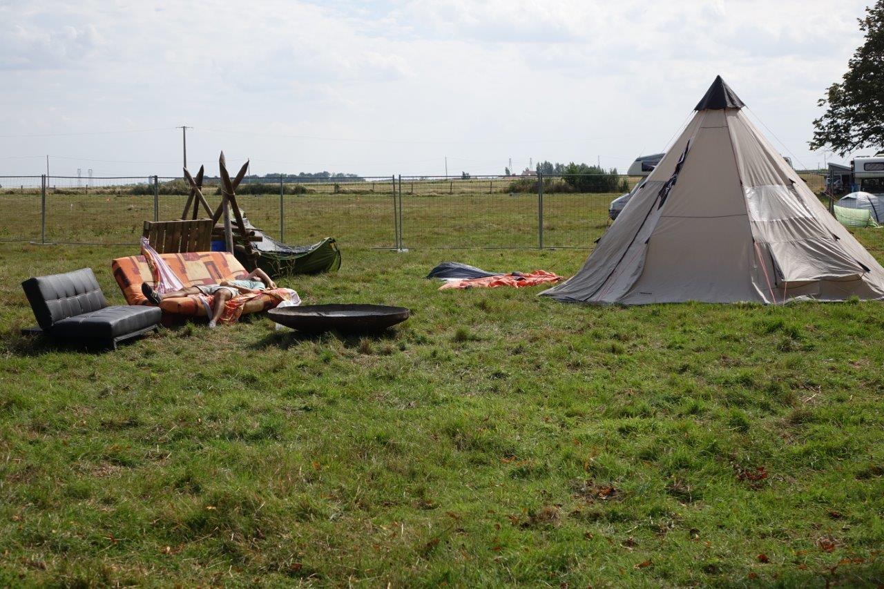Le coin camping  est apprécié des festivaliers.