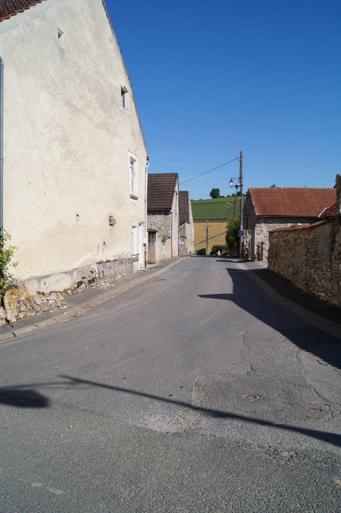 La Chapelle-Monthodon. Rue de Chézy.