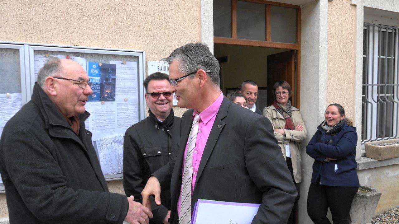 L'abbé Henri Gandon, curé de la paroisse Notre Dame des Trois Vallées fait partie du comité d'accueil.