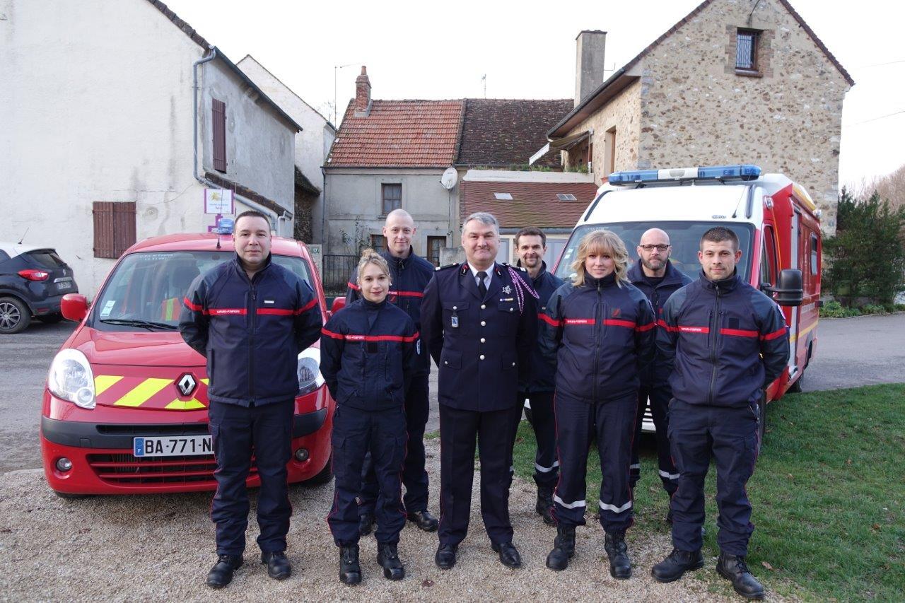 Plusieurs sapeurs-pompiers manquaient à l'appel. Ces derniers étaient en intervention sur un feu de cabane de jardin à Condé-en-Brie.