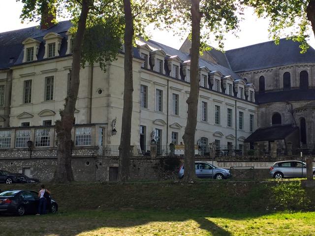 L'Abbaye Notre-Dame de Beaugency date du XIème siècle.