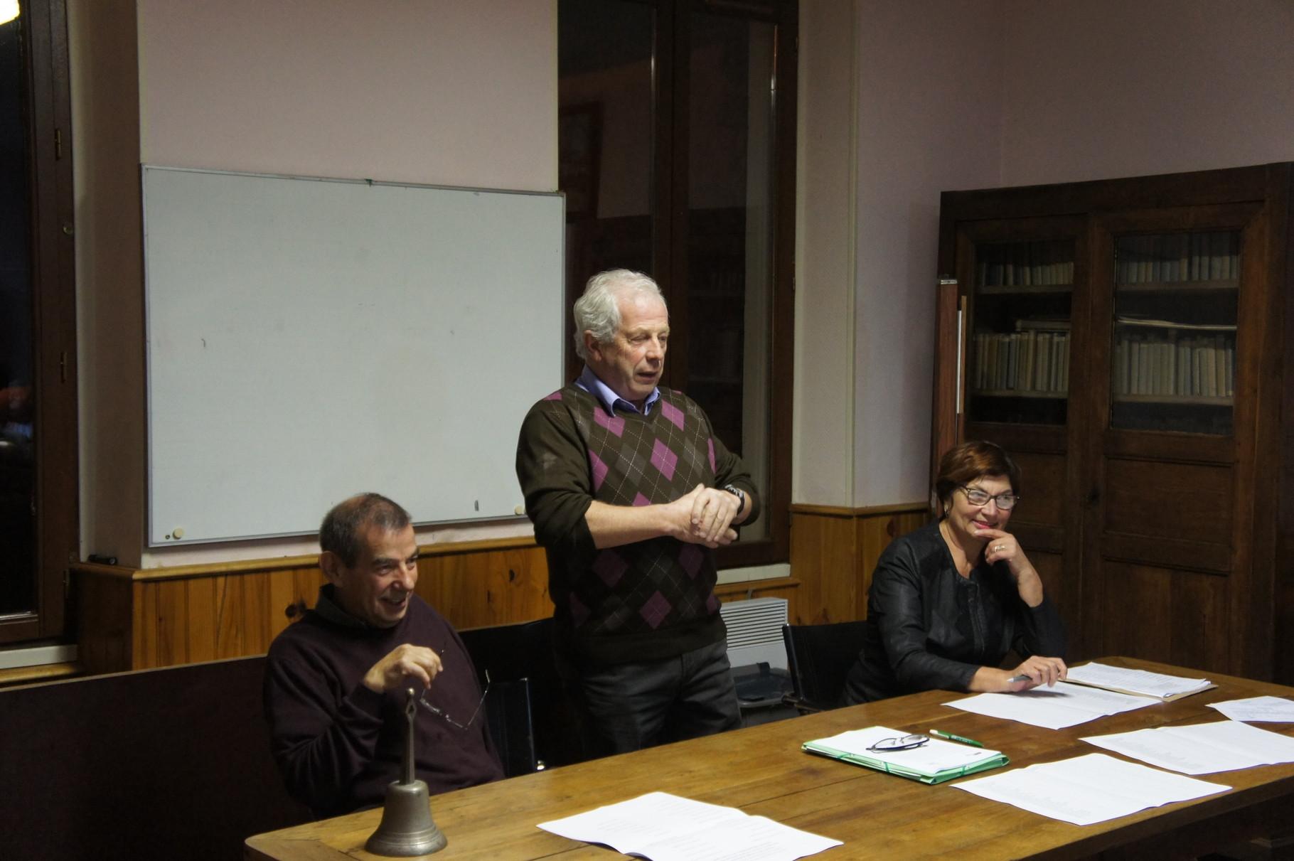 de gauche à droite : Bruno Lahouati (maire de Baulne-en-Brie), Claude Picart (maire de Saint-Agnan), Jacqueline Picart (maire de La Chapelle-Monthodon)