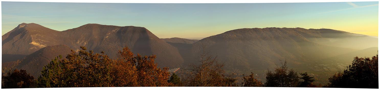 """Panoramica """"esagerata"""", eseguita scattando 10 fotografie orientando la fotocamera in verticale"""