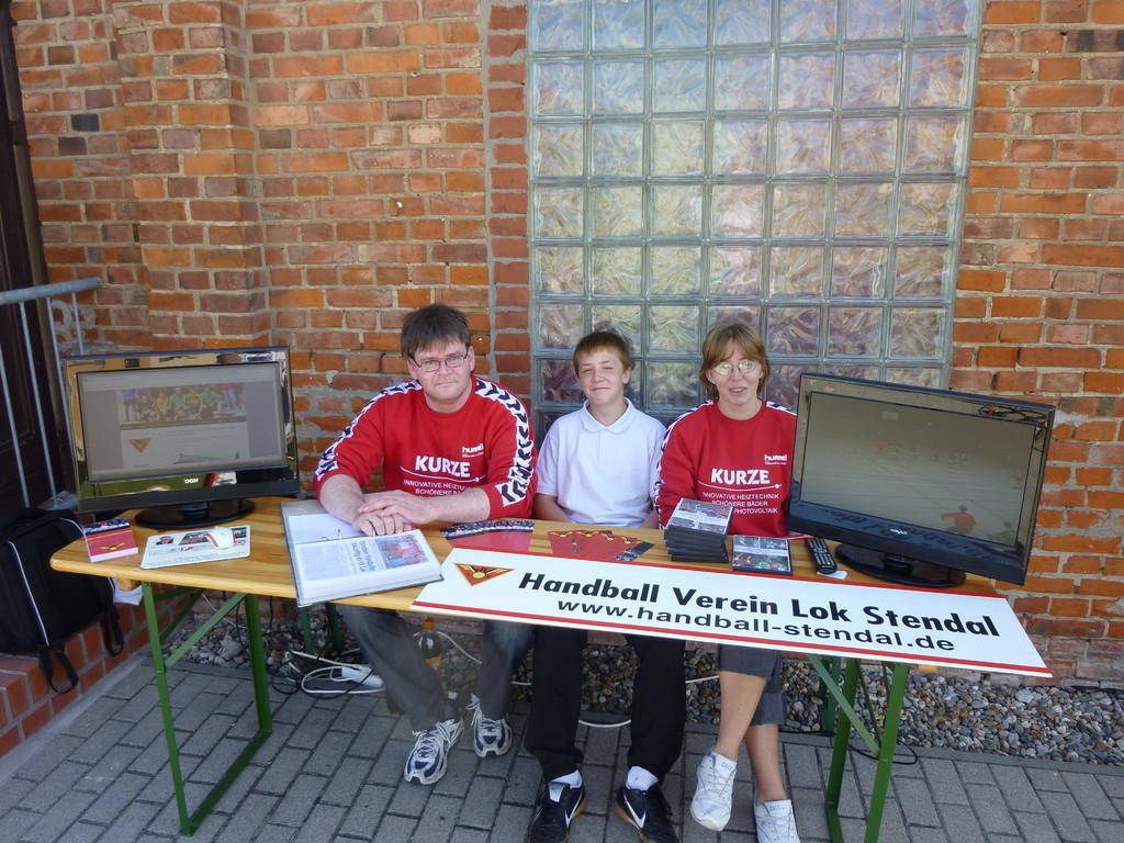 Beim 1. Stendaler Sport-und Vereinstag am 21.08.2010 war der HV Lok Stendal mit einem Info-Stand präsent.