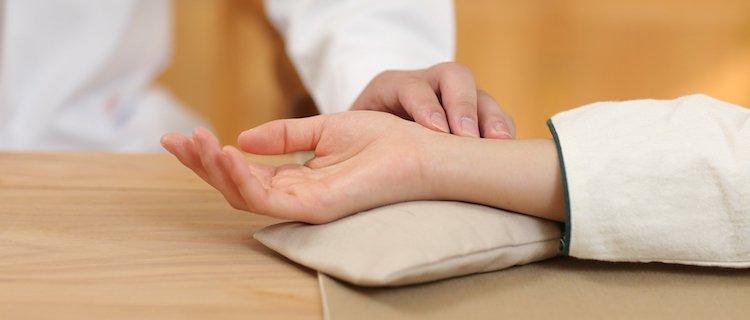 Behandlung in der Heilpraxis Gitta Schwind in Planegg