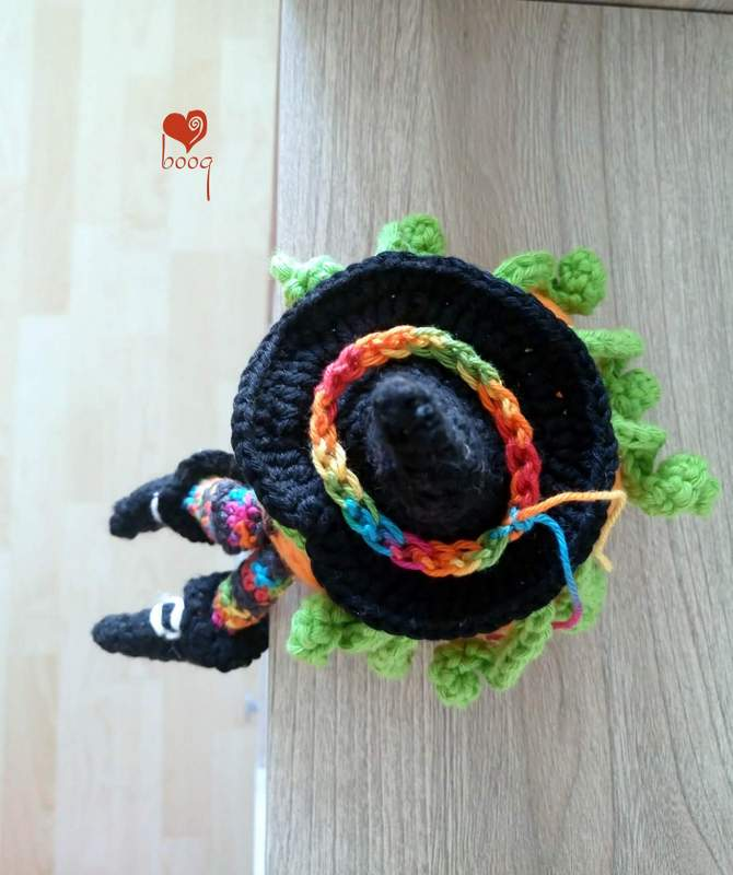 halloween witch- hat shoes amigurumi free pattern - english
