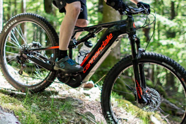 Cannondale Cujo NEO 130 in Aktion