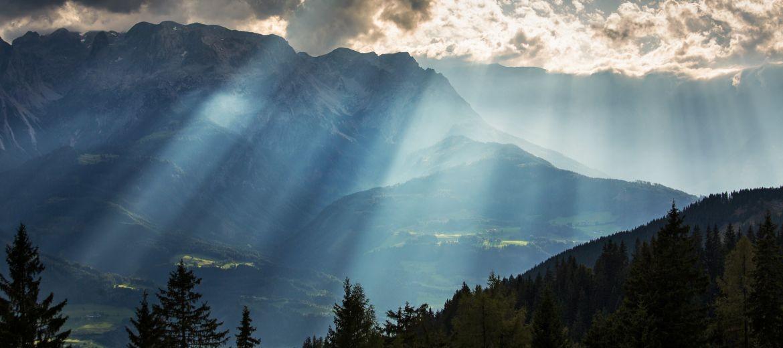 Bild: Werfenweng im Morgentau - aber die Berge sind schon frei
