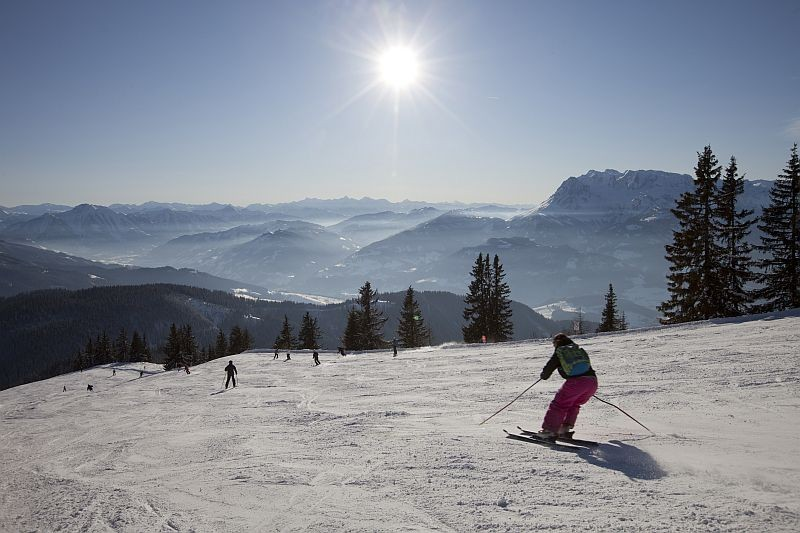 Bild: Skifahren im Familienskigebiet - Die Pisten sind  immer bestens präpariert