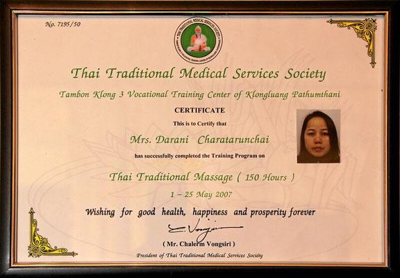 Zertifizierte Masseuse ausgebildet in Thailand