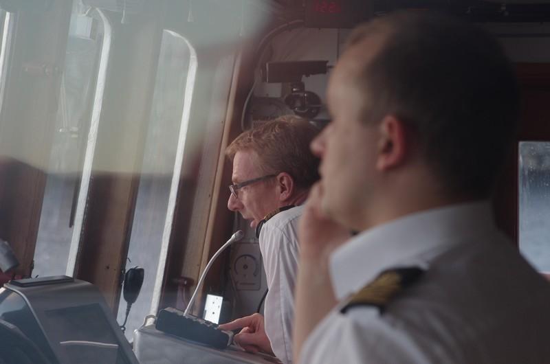 der Kapitän gibt einen kleinen Umweg bekannt...