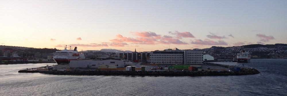 die Nordnorge und die Trollfjord im Trondheim...