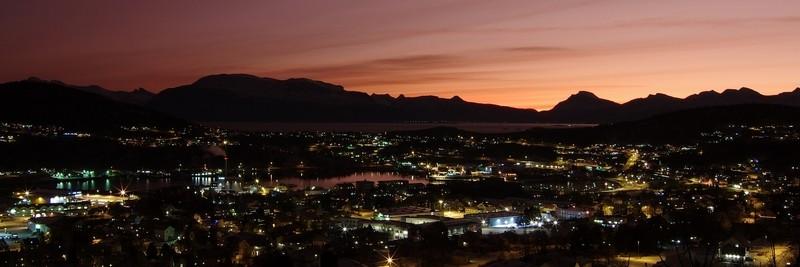 Blick über Harstadt im Morgenlicht
