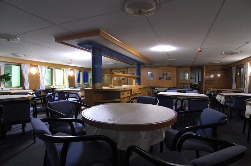 im Hurtigrutenmuseum - der Speisesaal der alten M/S Finnmarken