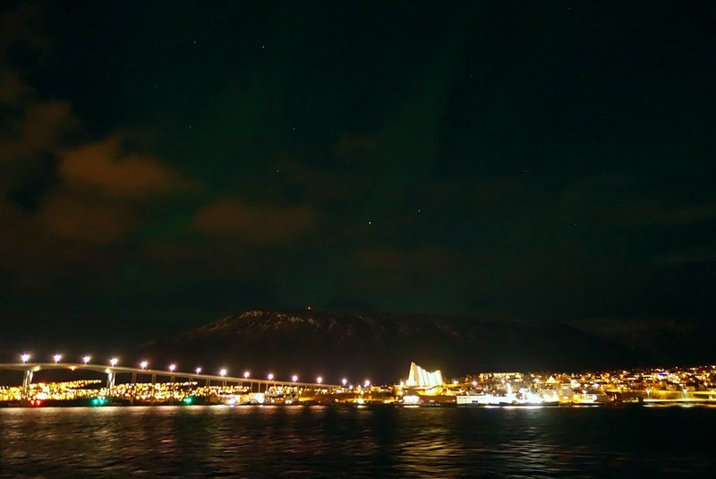 Tromsø mit leichtem Nordlicht