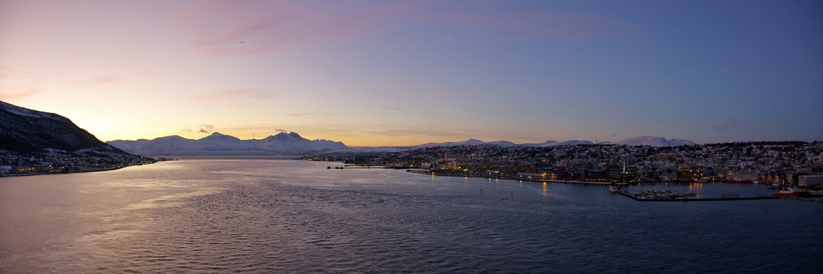 auf der Tromsøbrücke