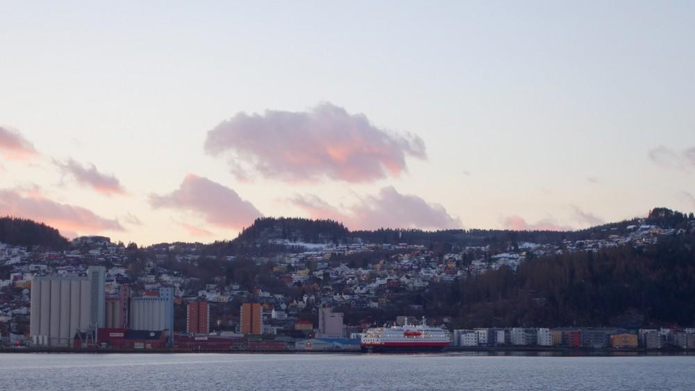 ...und im Industriehafen liegt die Kong Harald