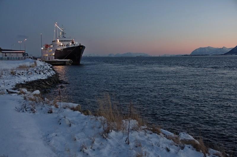 im Hafen von Risøyhamn