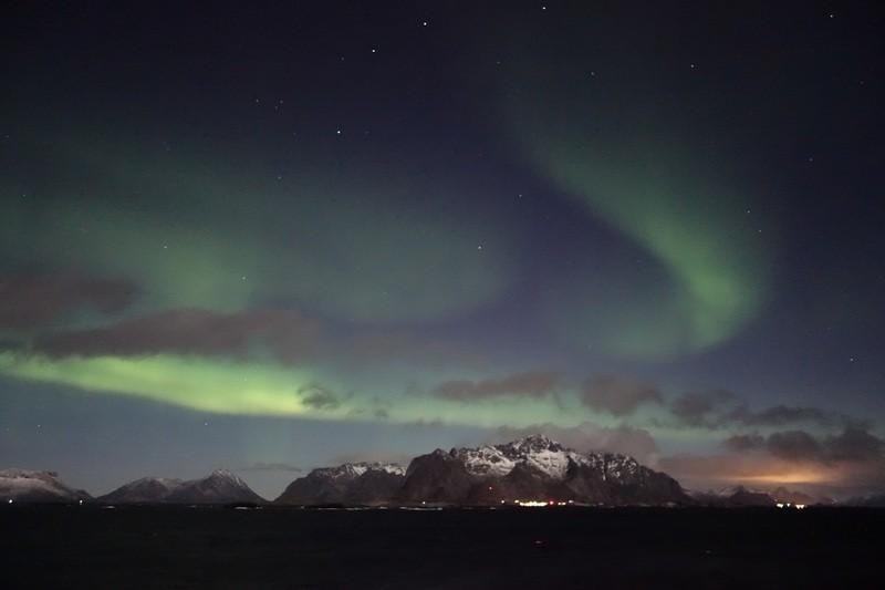 Nordlicht während wir die Lofoten passieren
