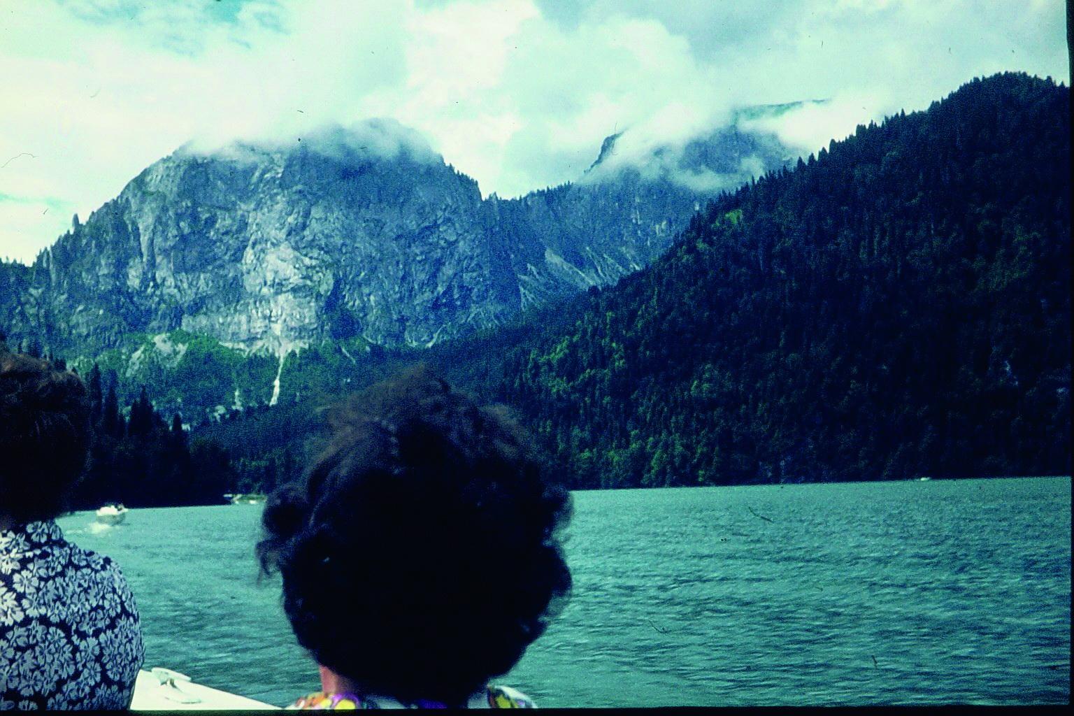 Ritza See im Kaukasus