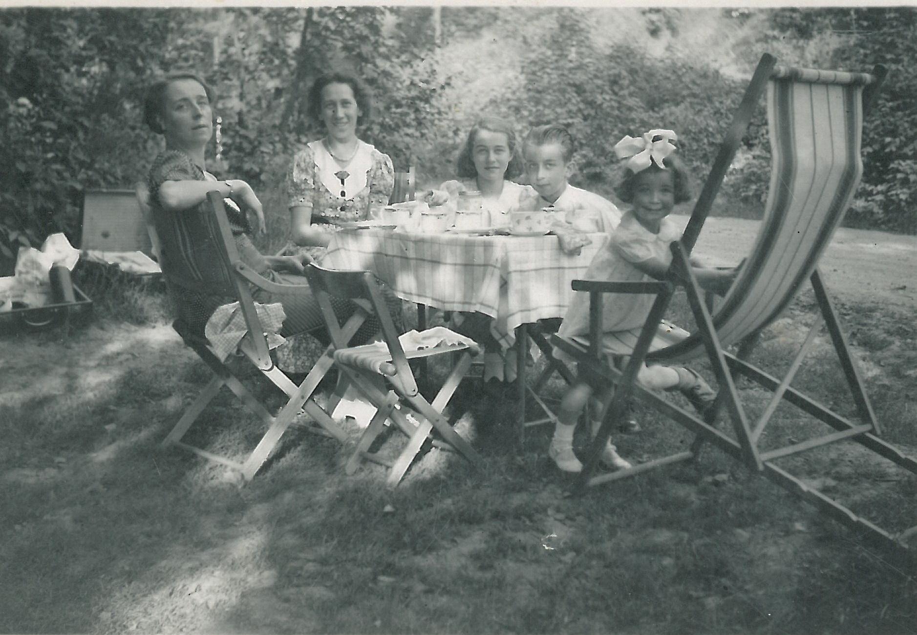 Familie Knauff mit Martha 1934